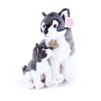 Plüss farkaskölyök és az anyukája